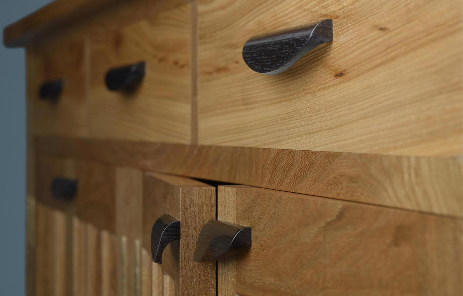 Budleigh elm cabinet - handles details