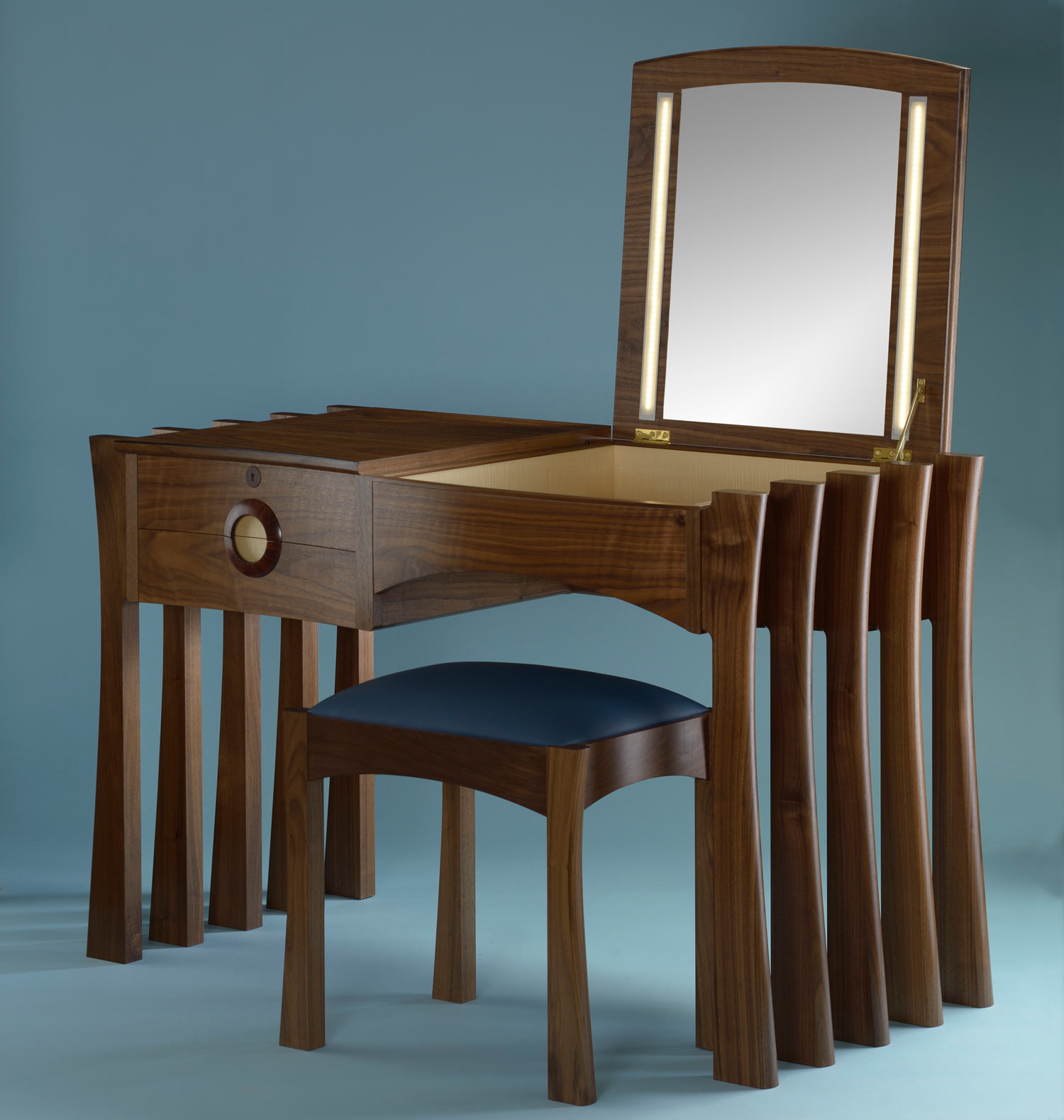 Annies dressing table